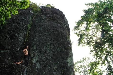 Tebing Batu di Bukit Siti Nurbaya