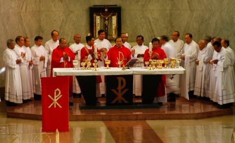 Uskup memimpin misa Jumaat Agung
